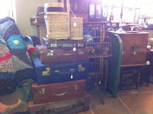Vintage Luggage Vintage Leather Suitcases Vintage Clippy